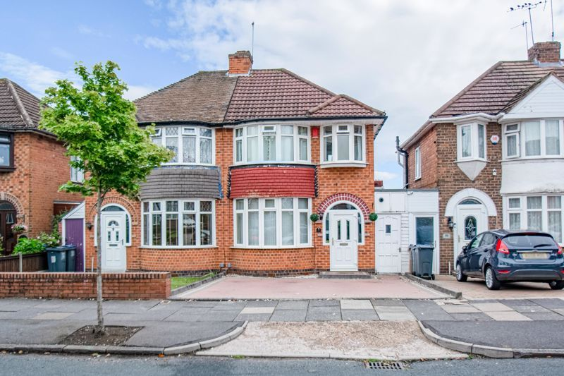 3 bed house for sale in Ryde Park Road 1