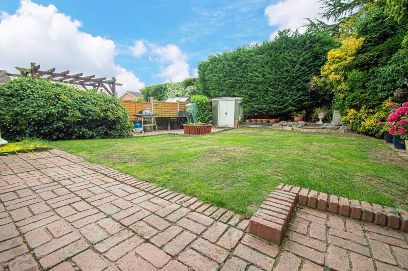 4 bed house for sale in Farndale Close 13