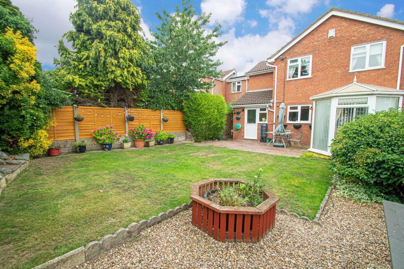 4 bed house for sale in Farndale Close 14
