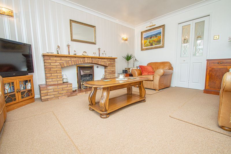 4 bed house for sale in Farndale Close  - Property Image 15