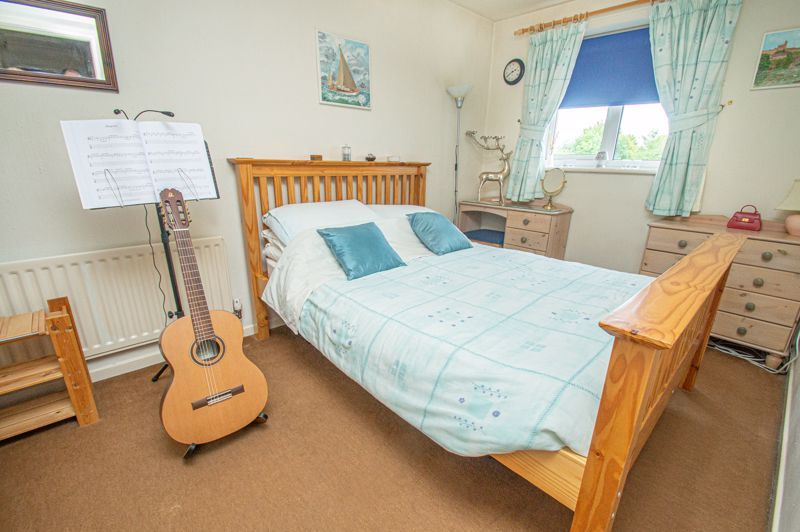 4 bed house for sale in Farndale Close  - Property Image 9