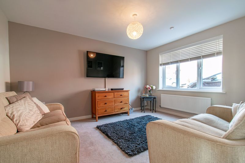 4 bed house for sale in Kimcote Street 2