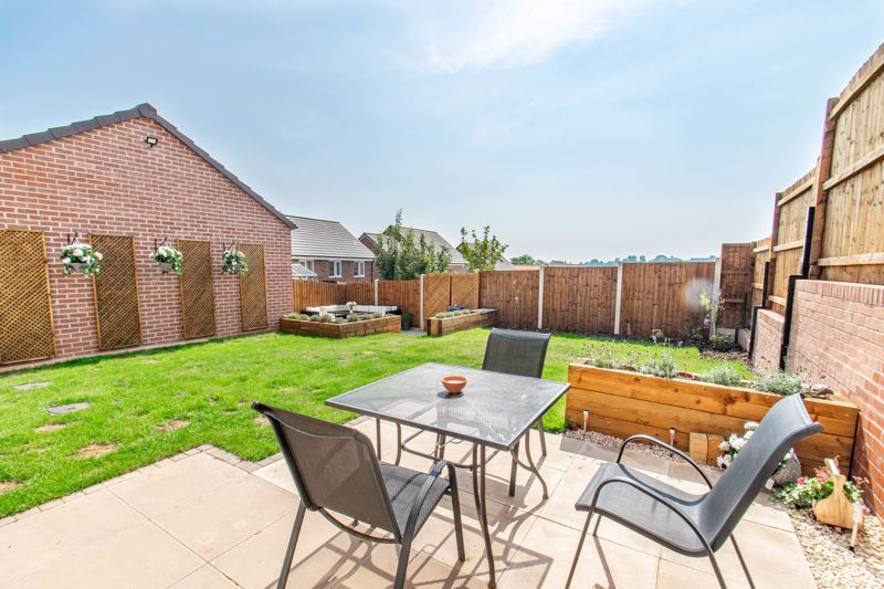 4 bed house for sale in Kimcote Street 18