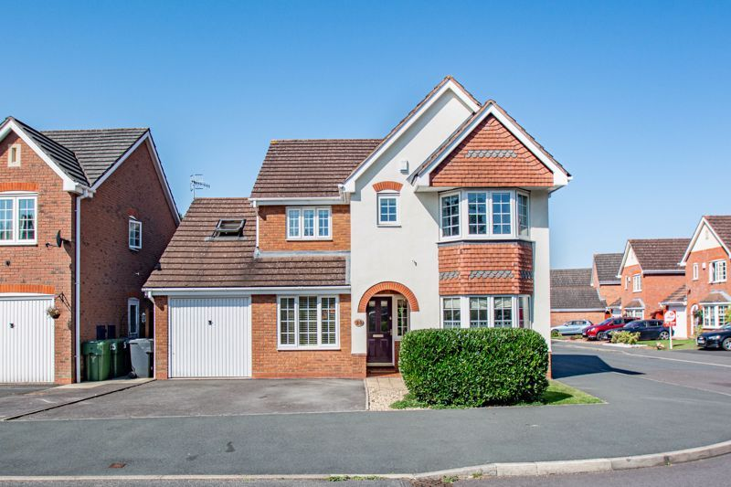4 bed house for sale in Appletrees Crescent - Property Image 1
