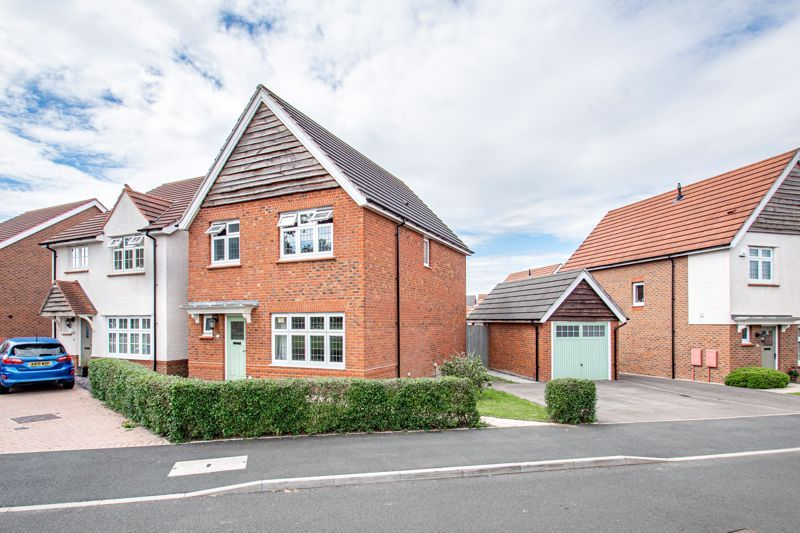 3 bed house for sale in Turntable Avenue  - Property Image 1
