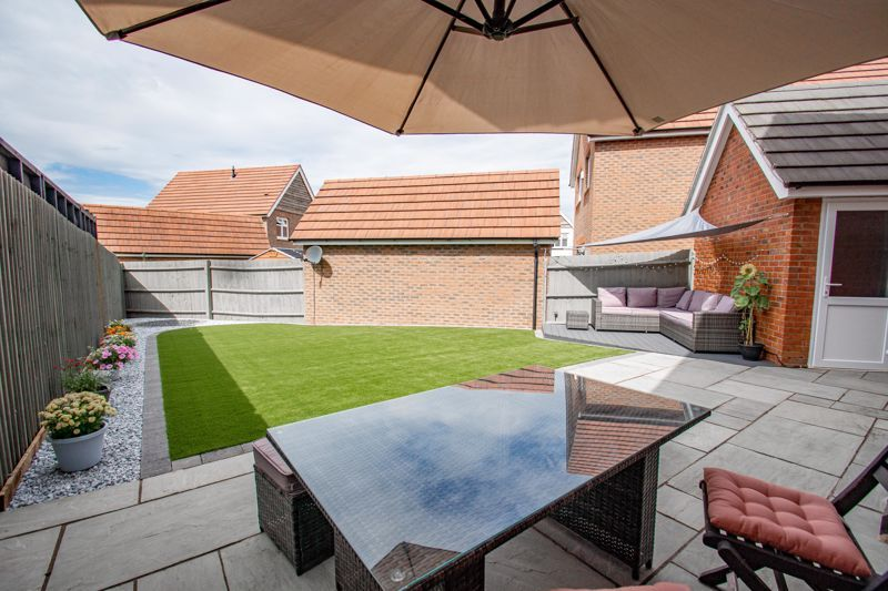3 bed house for sale in Turntable Avenue  - Property Image 12