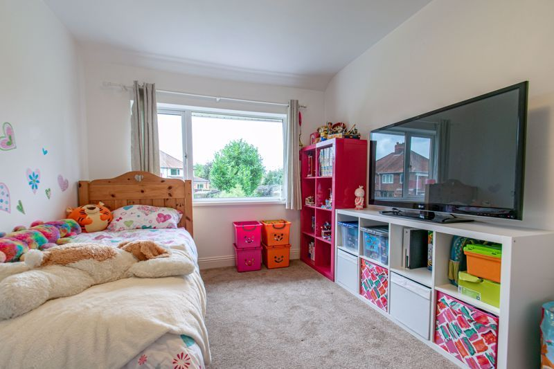2 bed house for sale in Broom Hall Crescent  - Property Image 9