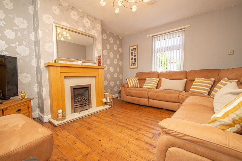 3 bed house for sale in Rowley Village  - Property Image 2