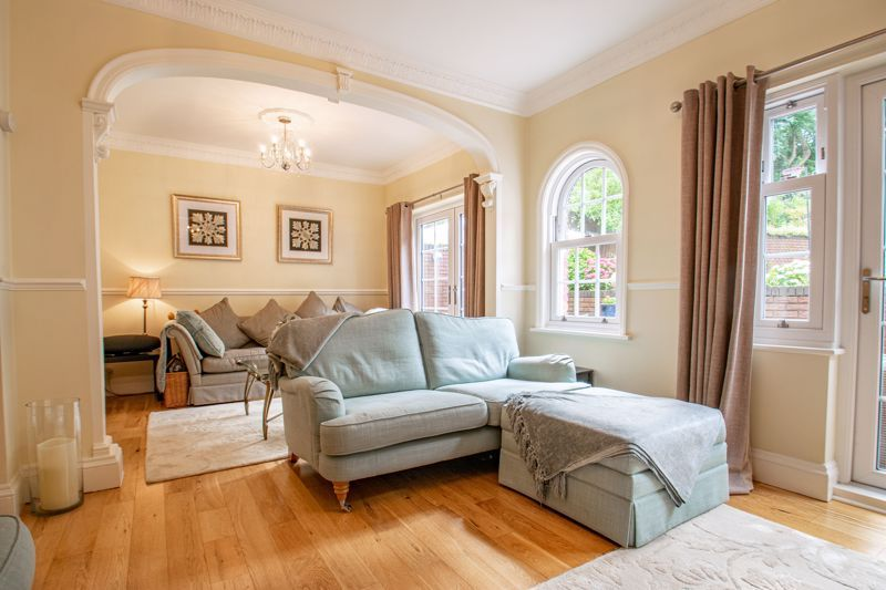 4 bed house for sale in Enfield Road  - Property Image 14