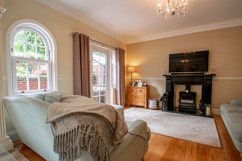 4 bed house for sale in Enfield Road 15
