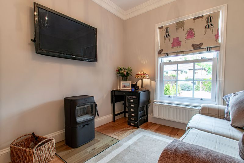4 bed house for sale in Enfield Road 16