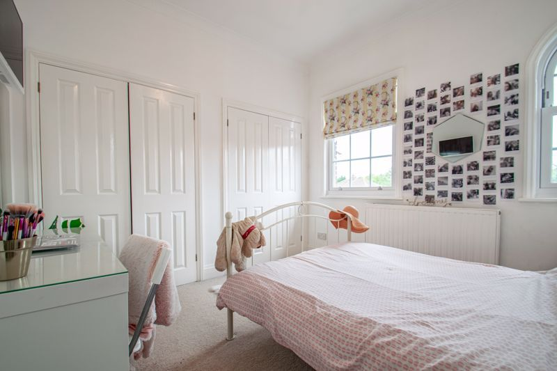 4 bed house for sale in Enfield Road  - Property Image 20