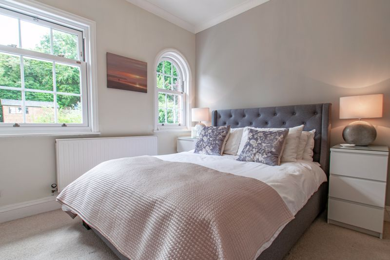 4 bed house for sale in Enfield Road 6