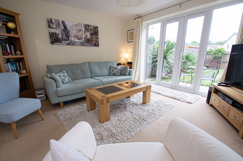 3 bed house for sale in Nash Gardens 2