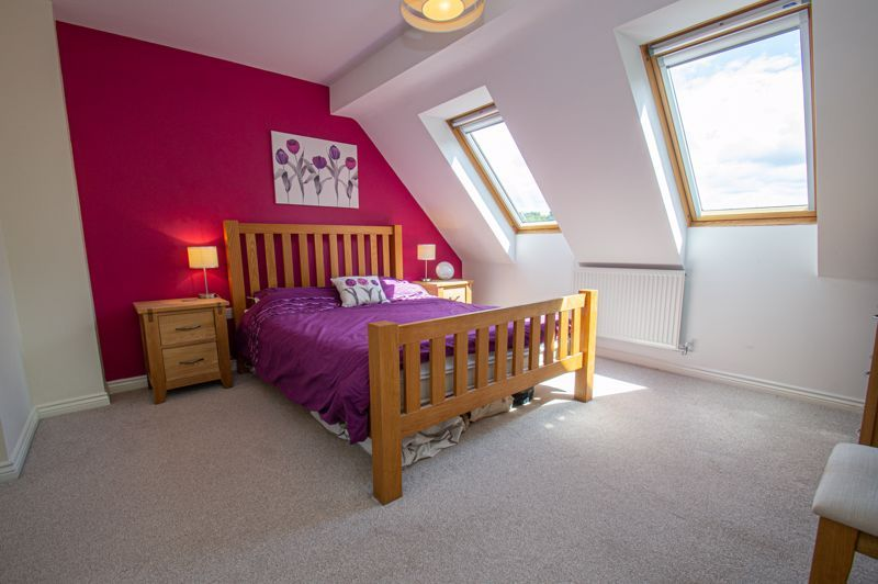 3 bed house for sale in Nash Gardens 11