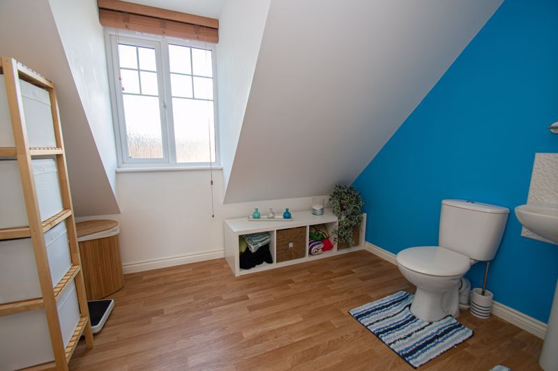 3 bed house for sale in Nash Gardens 14
