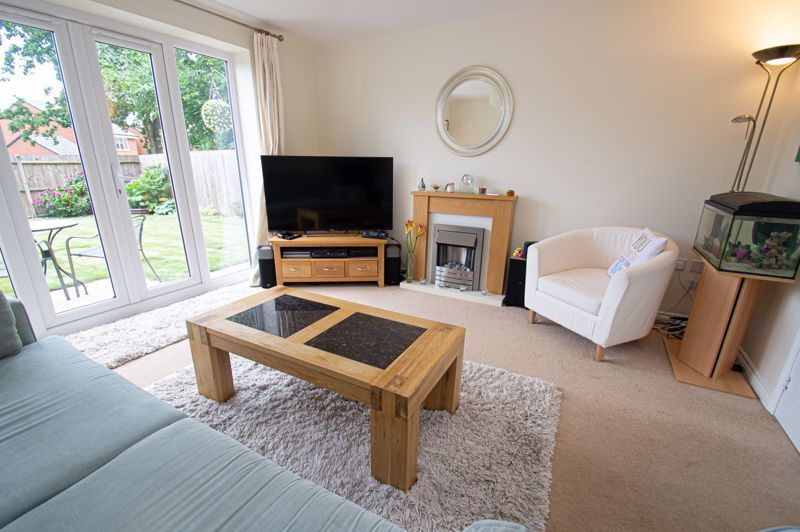 3 bed house for sale in Nash Gardens 3