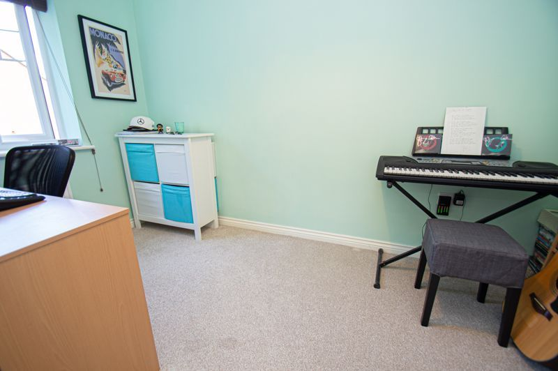 3 bed house for sale in Nash Gardens  - Property Image 10
