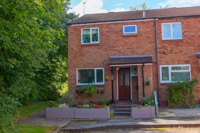4 bed house for sale in Patch Lane - Property Image 1