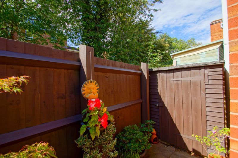 4 bed house for sale in Patch Lane 16