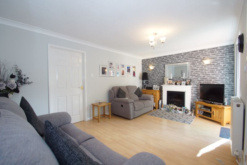 4 bed house for sale in Patch Lane 3