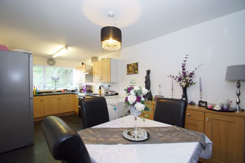 4 bed house for sale in Patch Lane  - Property Image 4