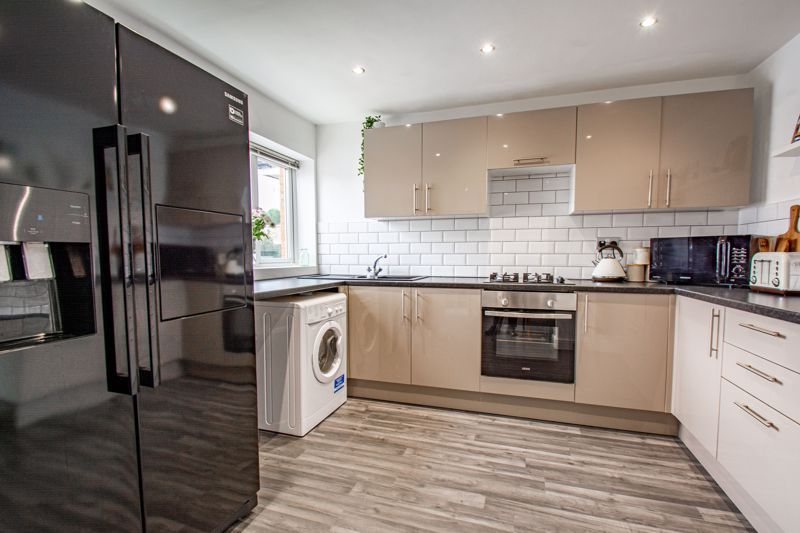 3 bed house for sale in Silverdale 7