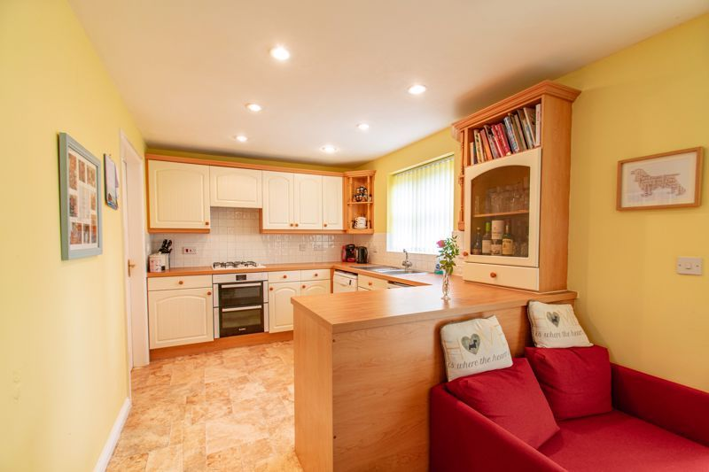 4 bed house for sale in Parklands Close  - Property Image 2