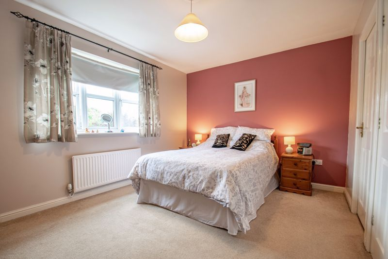 4 bed house for sale in Parklands Close  - Property Image 5