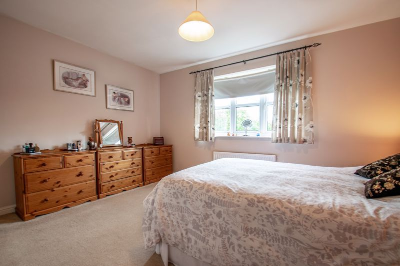 4 bed house for sale in Parklands Close  - Property Image 6