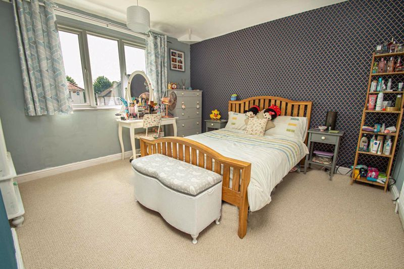 2 bed house for sale in Oak Park Road  - Property Image 7