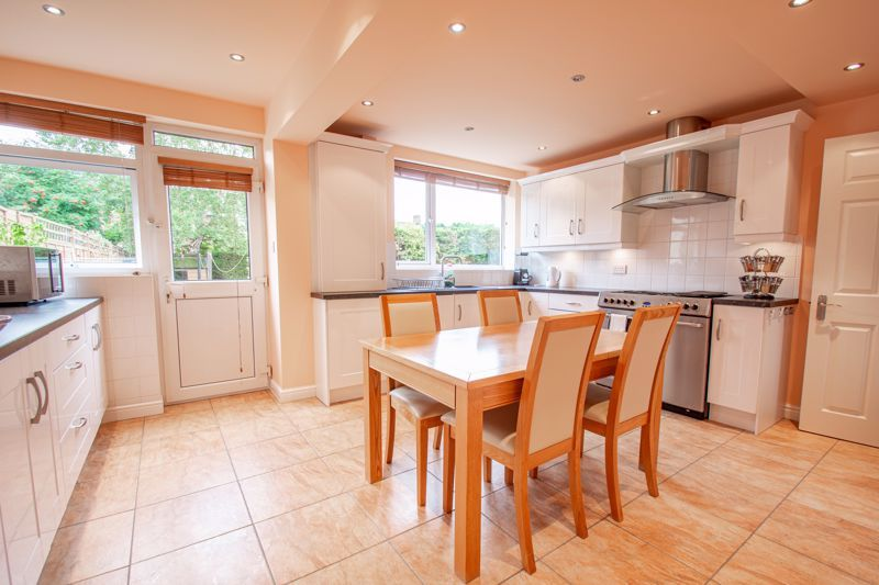 4 bed house for sale in Marlborough Avenue  - Property Image 2