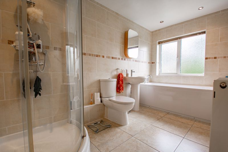 4 bed house for sale in Marlborough Avenue  - Property Image 11