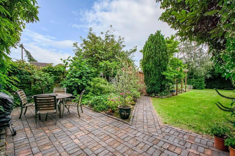 2 bed  for sale in Pikes Pool Lane  - Property Image 11