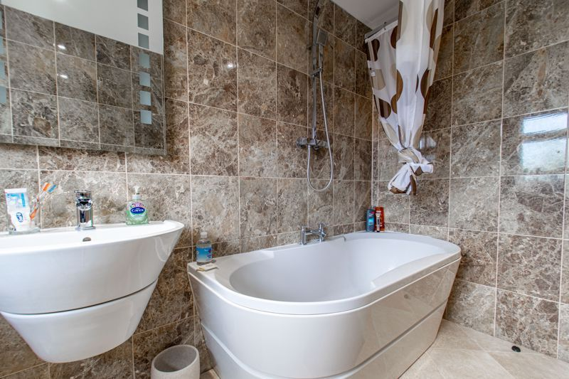 3 bed house for sale in Albury Road 12