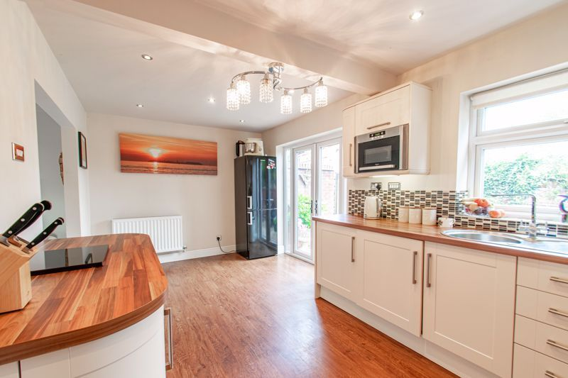 3 bed house for sale in Albury Road  - Property Image 4