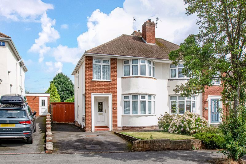 3 bed house for sale in Park Road West 1