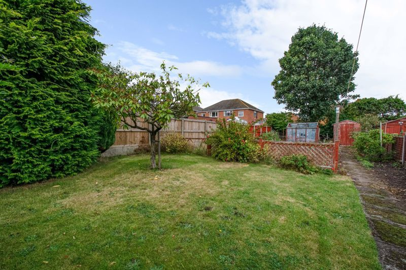 3 bed house for sale in Park Road West 12
