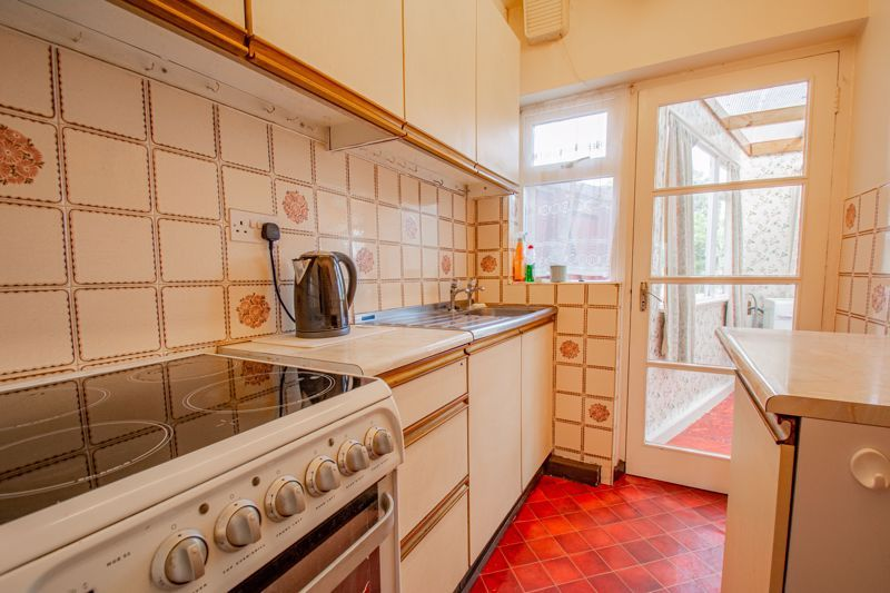 3 bed house for sale in Park Road West 5