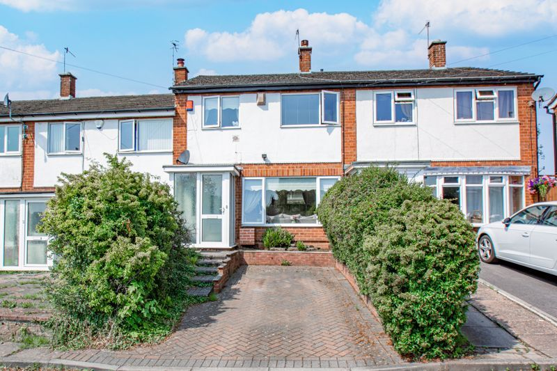3 bed house for sale in Hillside Drive - Property Image 1