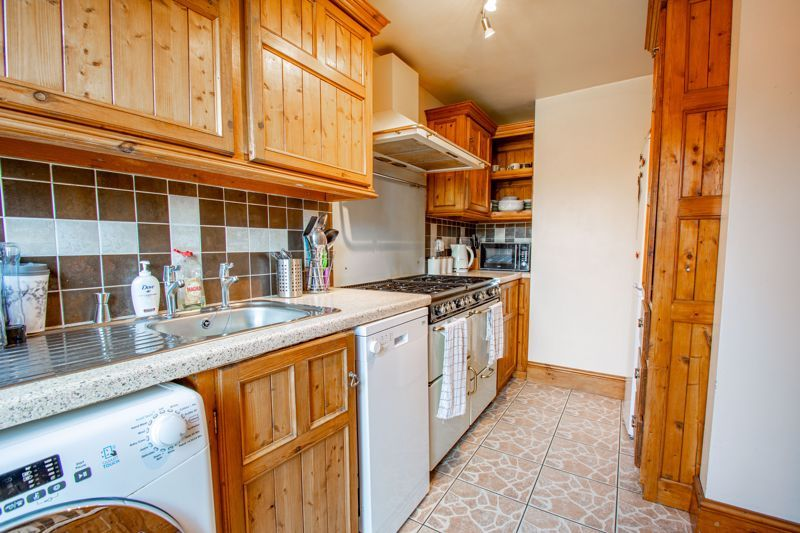 3 bed house for sale in Hillside Drive 5