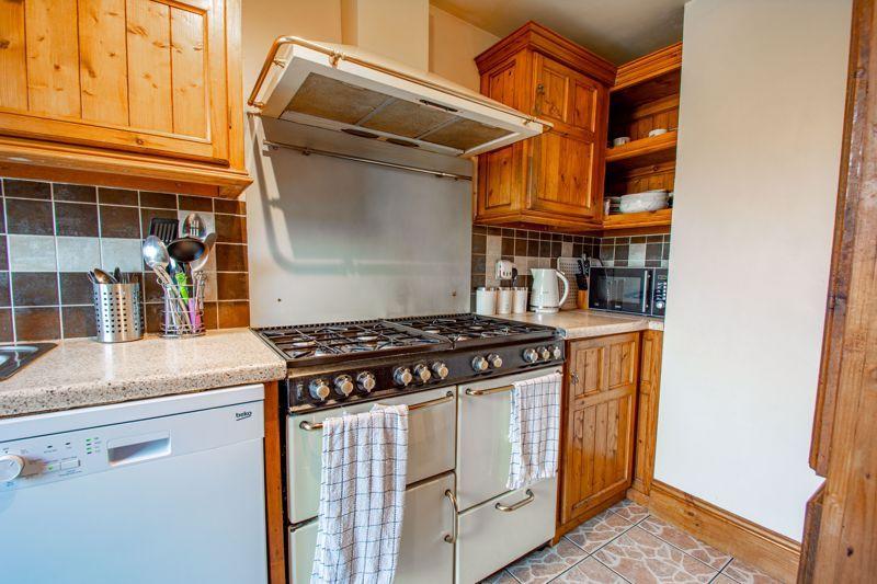 3 bed house for sale in Hillside Drive 7