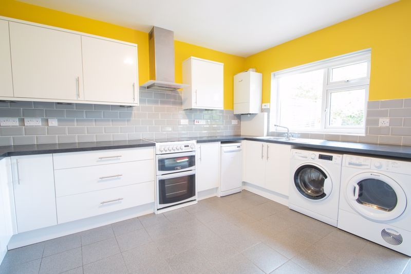 3 bed house for sale in Douglas Road 5
