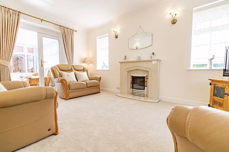 2 bed bungalow for sale in Wicket Lane 2