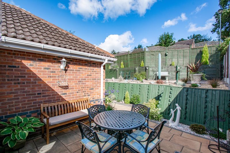 2 bed bungalow for sale in Wicket Lane 11
