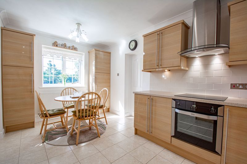 2 bed bungalow for sale in Wicket Lane  - Property Image 6