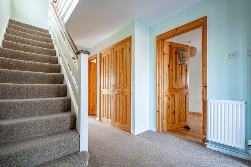 4 bed house for sale in Pennine Road  - Property Image 2