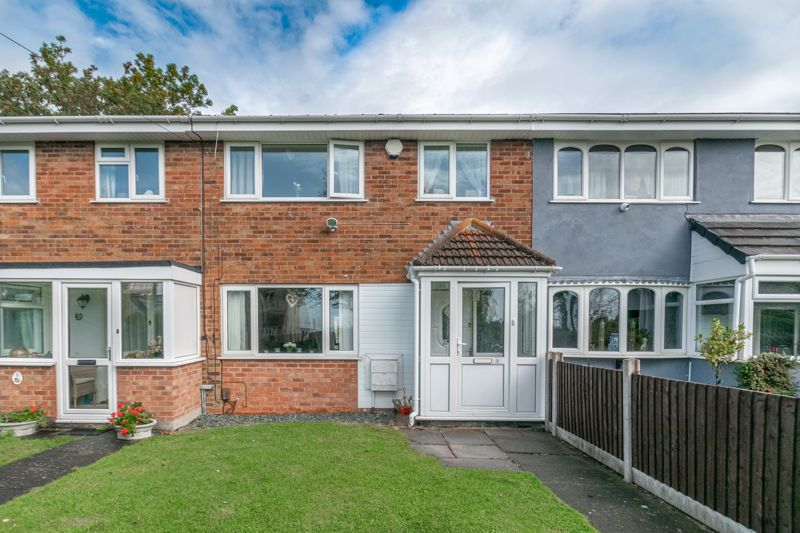 3 bed house for sale in Woodend Close 1