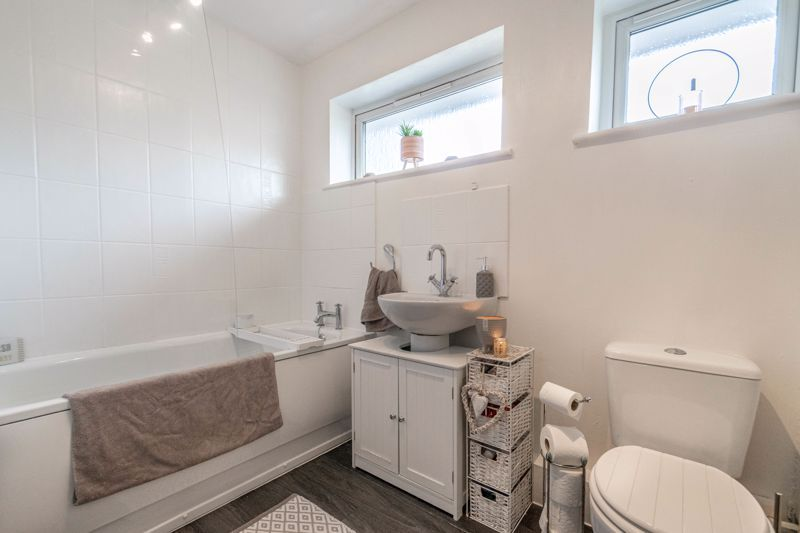 3 bed house for sale in Woodend Close  - Property Image 11