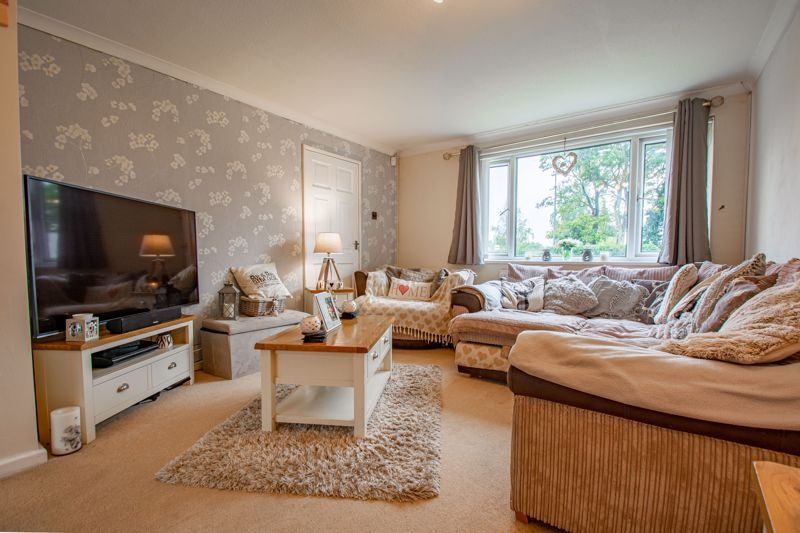 3 bed house for sale in Woodend Close 4